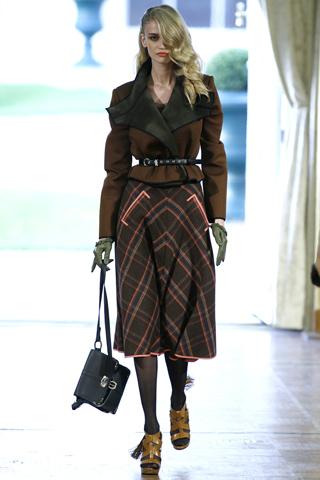 модные костюмы для женщин 2012.
