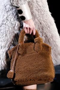 Модные сумки и цвет: осень-зима. мода 2011. мода 2012. мода зима.