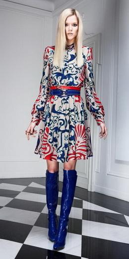 ...коллекция Versace 2011 - фото 8. Фотография 8. Назад в будущее...