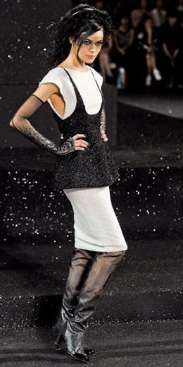 http://s4.postimage.org/497d017rh/Chanel_HC_FW_11_00390h.jpg. url=http...
