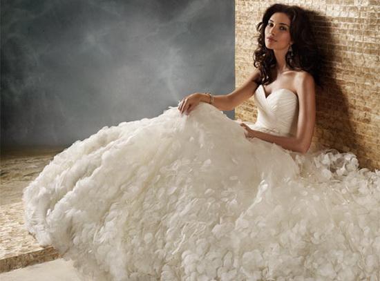 самые модные и красивые свадебные платья 2012 фото.