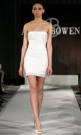 Короткое свадебное платье сезона весна-лето 2012 из коллекции Anne Bowen.