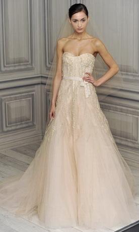 Свадебное платье сезона весна-лето 2012 из коллекции Christos.