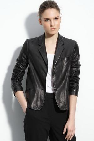 С чем носить кожаную куртку весна-лето 2011.