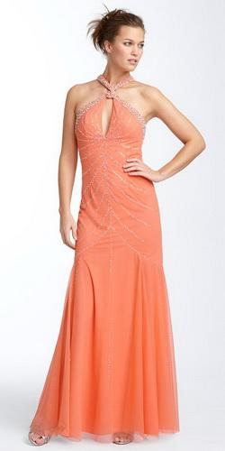 """Еще одна  """"фишка """" модных платьев годе в 2011 году - ассиметрия."""