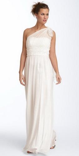 Такой фасон свадебных платьев на протяжении многих лет не выходит из моды.