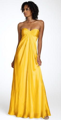Платье - годе легко можно отнести к классике.  На показах моды такие...