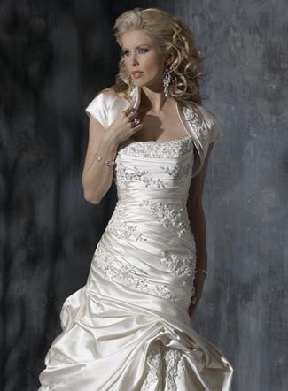 Популярные модели свадебных платьев в сезоне 2012.