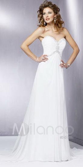 Простое, но в то же время эффектное греческое платье.