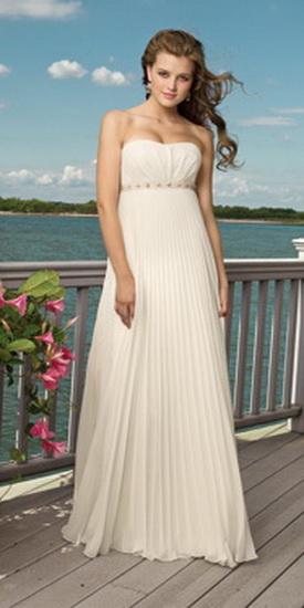 Коллекция свадебных платьев для свадьбы на пляже.