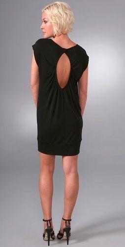 Платье с открытой спиной. spoiler. прекрасный вариант для любого.