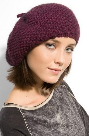 Вязаная женская шапка и берет