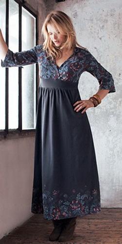 Полным женщинам стоит присмотреться к платьям с расклешенным низом, с...